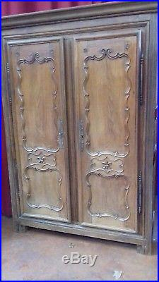 Beautiful Heavy Early 19thc French Oak Linen Press/armoire With Drawers & Key