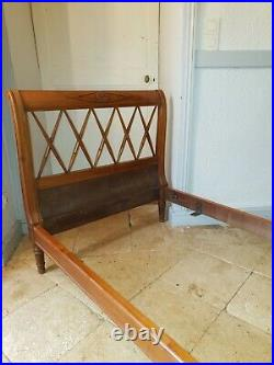 French Day Bed, Lattice Design