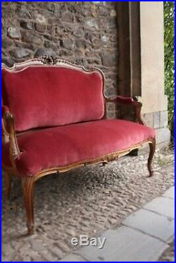 French carved walnut settee 19th Century sofa