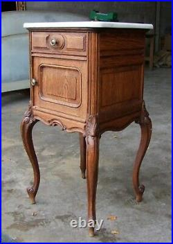Louis XV Style French Carved Oak Marble Topped Bedside Cabinet (svsomtbc9)