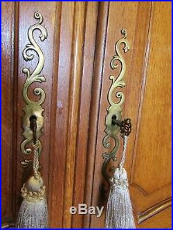 Nice quality vintage French carved golden oak Louis armoire, wardrobe, Flat pack
