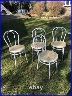 Set Of 4 Bentwood Style Metal Bistro Cafe Chairs French Vintage Retro White