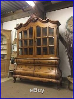 Stunning Vintage large French Provincial Bombe Dresser Cabinet FREE DELIVERY
